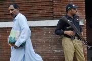 Le mari d'Asia Bibi, Ashiq Masih, quitte la... (PHOTO ARIF ALI, AFP) - image 1.0