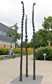 La sculpture de Myriam Van Neste en hommage... (Le Soleil, Patrice Laroche) - image 1.1