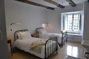 Voici l'une des 33 chambres authentiques, sobres et... (Le Soleil, Jean-Marie Villeneuve) - image 1.0