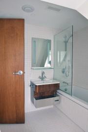 Bien que simples, les salles de bain répondent... (Le Soleil, Jean-Marie Villeneuve) - image 1.1