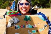 Dany Chartrand, alias Mme Chose, anime la plage... (Photo Louise Rivard) - image 1.1