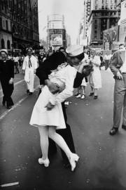 La photo originale du photojournaliste Alfred Eisenstaedt.... (PHOTO ALFRED EISENSTAEDT) - image 2.0