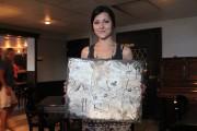L'artiste latuquoise, Claudia Martel, expose présentement ses toiles... (Photo: Audrey Tremblay) - image 1.0
