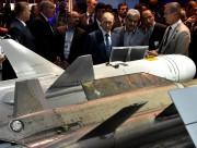 Vladimir Poutine a visité le salon aéronautique mardi.... (PHOTO AP) - image 2.0