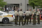 Plusieurs policiers de la Sûreté du Québec étaient... (Le Soleil, Patrice Laroche) - image 1.0