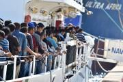 LeFiorilloa secouru 113 immigrants sur un canot.... (PHOTO AP) - image 2.0