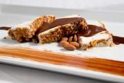 L'almendrado, une costarde glacée aux amandes pralinées, est... (Photo David Boily, La Presse) - image 5.0