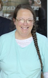 Kim Davis... (PHOTO REUTERS) - image 2.0