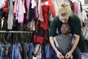Vêtements, jouets, poussettes, les Allemands se sont mobilisés... (PHOTO CHRISTOF STACHE, ARCHIVES AFP) - image 3.0