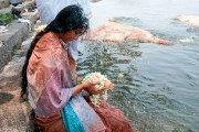 La rivière ceinturant l'île Srirangapatna est sacrée. Ici,... (Collaboration spéciale, Marie-Soleil Desautels) - image 2.0