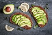 Il semble révolu le temps où manger entre les repas était mal... (Shutterstock) - image 3.0