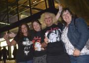 Micheline, Johanne, Shirley et Nathalie, quatre admiratrices de... (Le Soleil, Yan Doublet) - image 2.0
