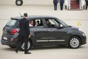 Au pays des voitures spacieuses et très polluantes,... (AFP, SAUL LOEB) - image 2.0