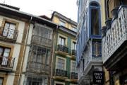 Même sous la pluie, les façades colorées et... (PHOTO MARIE-CLAUDE MALBOEUF, LA PRESSE) - image 3.0