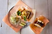 Taco au chou-fleur rôti, crevettes grits et biscuit... (PHOTO MARCO CAMPANOZZI, LA PRESSE) - image 7.0