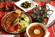 Soupe chorba, brick aux épinards et thé à... (PHOTO MARTIN CHAMBERLAND, LA PRESSE) - image 5.0