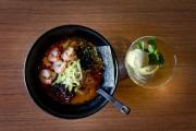 Une soupe ramen aux fruits de mer et... (PHOTO MARCO CAMPANOZZI, LA PRESSE) - image 18.0