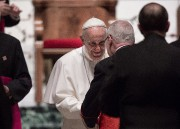 François a rencontré des évêques à la cathédrale... (PHOTO AFP) - image 2.0