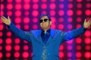 Elton John... (AFP, Tasso Marcelo) - image 1.0