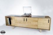 Ce meuble audiovisuel est en noyer noir et... (Photo Kevin Drolet) - image 2.1