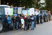 Des manifestants de l'UPA Estrie étaient sur place.... (Imacom, Maxime Picard) - image 1.0