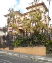 Le quartier Barrio Amon interpelle toujours les visiteurs... (PHOTO PASCAL MILANO, LA PRESSE) - image 2.0