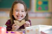 En moyenne, 70% des élèves des écoles primaires dînent à... (PHOTO MASTERFILE) - image 2.0