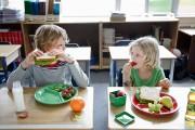 En moyenne, 70% des élèves des écoles primaires dînent à... (PHOTO MASTERFILE) - image 14.0