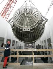 Ce spectromètre géant a permis de mener les... (ARCHIVES AP) - image 3.0