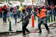 Des dizaines de milliers de manifestants ont défilé... (PHOTO BELGA/THIERRY ROGE, AFP) - image 1.1