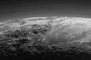 Le ciel de Pluton est bleu et il... (Photo AP) - image 1.0