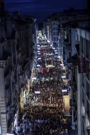 Des millers de manifestants prennent la rue pour... (Agence France-Presse) - image 2.0