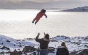 Justin Trudeau joue avec son garçon Hadrien lors... (Photo Paul Chiasson, La Presse Canadienne) - image 2.0