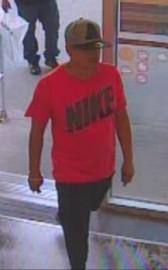 L'un des voleurs recherchés.... (Photo fournie par le SPS) - image 1.0