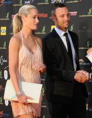 Reeva Steenkamp et Oscar Pistorius lors d'un évènement... (ARCHIVES REUTERS) - image 2.0
