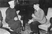 Haj Amin al-Husseini lors d'un entretien avec Hitler... (PHOTO ARCHIVES WIKIPÉDIA) - image 1.0