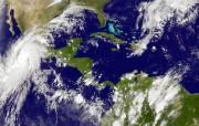 Cette image satellite prise à 20h45, jeudi soir,... (IMAGE NOAA/AP) - image 1.0