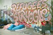 Plus de 1300 migrants ont été évacués vendredi... (PHOTO JACQUES BRINON, AP) - image 2.0