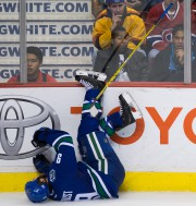 Brandon Prust a fait une vilaine chute en... (PHOTO PC) - image 2.0