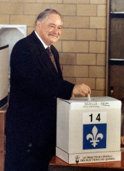 Jacques Parizeau le jour du vote... (Archives La Presse) - image 2.0