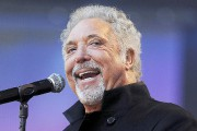 Tom Jones... (AFP, Ben Stansall) - image 4.0