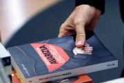 Avarice, le livre du journaliste italien Emiliano Fittipaldi,... (AP, Gregorio Borgia) - image 3.0