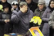 À Novgorod, Nina Louchtchenko a été enterrée en... (PHOTO OLGA MALTSEVA, AFP) - image 2.0