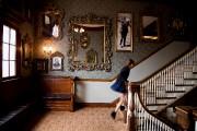L'escalier principal de l'hôtel a été redécoré pour... (PHOTO ALAIN ROBERGE, LA PRESSE) - image 1.1