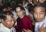 Aung San Suu Kyi a voté à Rangoun.... (AP, Khin Maung Win) - image 2.0