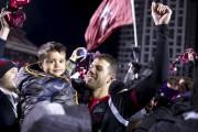 Rafael Alves célèbre la victoire du Fury en... (Martin Roy, LeDroit) - image 3.1