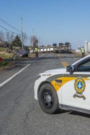 Deux conducteurs, dont un camionneur, ont été blessés,... (Imacom, Frédéric Côté) - image 1.0