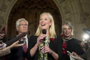 Catherine McKenna discute avec les médias après son... (PHOTO PC) - image 2.0