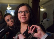 La députée libérale Caroline Simard... (PHOTO CLÉMENT ALLARD, LA PRESSE CANADIENNE) - image 1.0