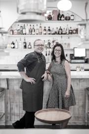 Le chef québécois LaurentGodbout et sa conjointe, Véronique... (PHOTO FOURNIE PAR CHEZ L'ÉPICIER) - image 1.0